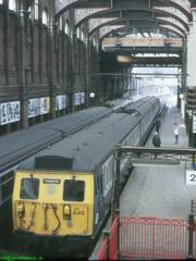 305445 in platform 2 at Liverpool St, prior to the station rebuilding